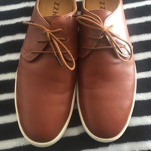 Shoes size 9, ZZHAP in excelente condición
